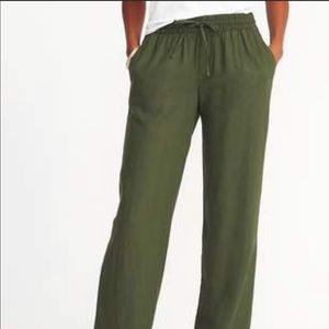 Old Navy green linen pants for @cchalasz